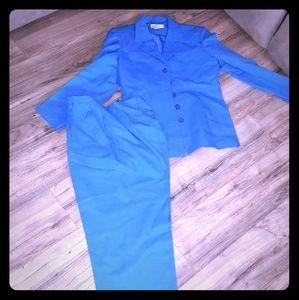 Pants - Womens Pants Suit 16